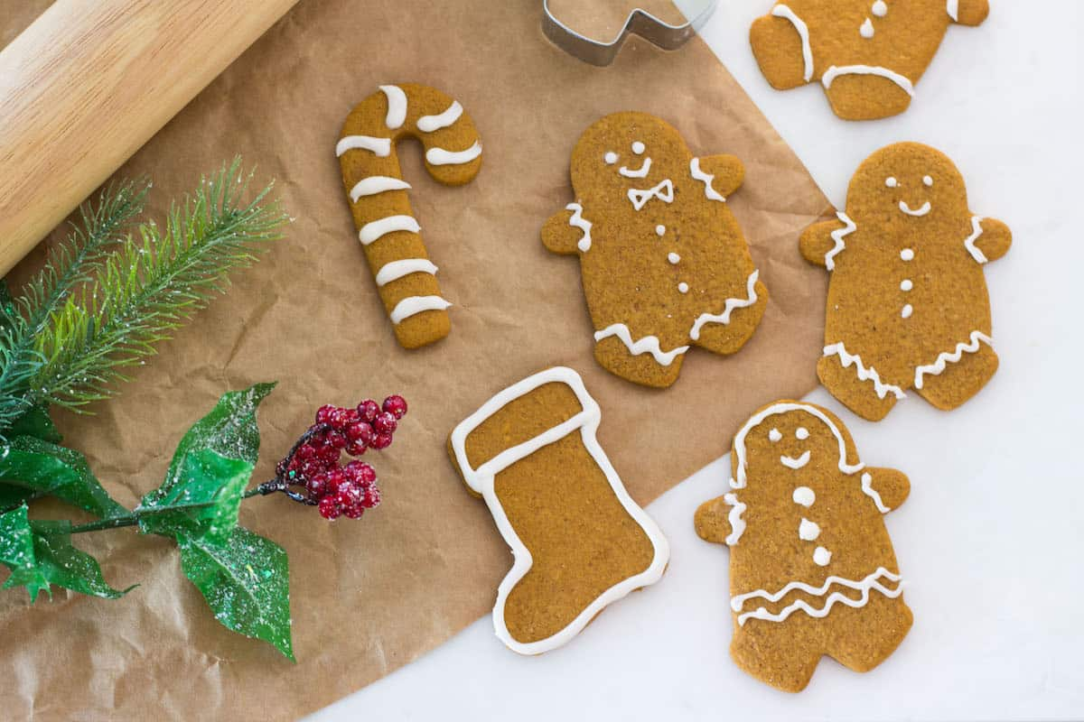 The Best Gingerbread Men Cookies - Mon Petit Four