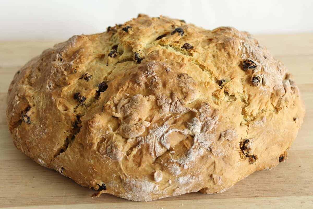 Irish Soda Bread: A tasty no-yeast bread