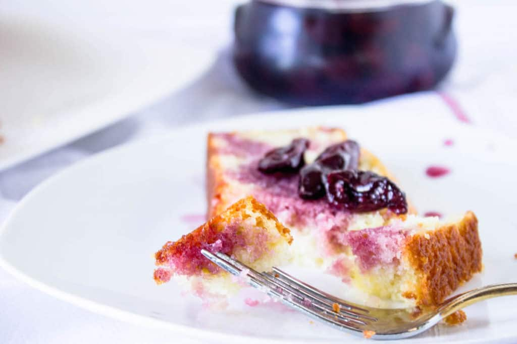 french yogurt cake slice