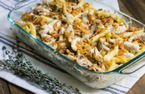 French Onion Pasta Bake - A warm and cozy meal reminiscent of French onion soup! Recipe via MonPetitFour.com