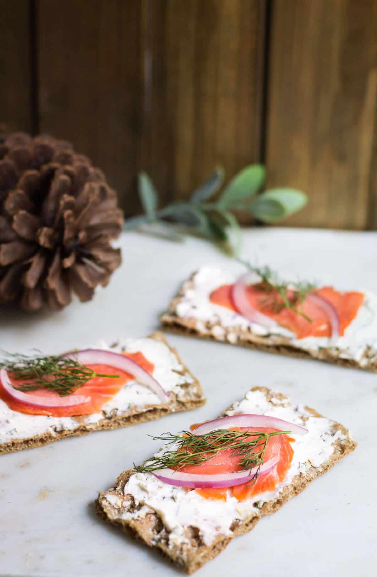 Smoked Salmon Tartines: the perfect Holiday appetizer! Recipe via MonPetitFour.com