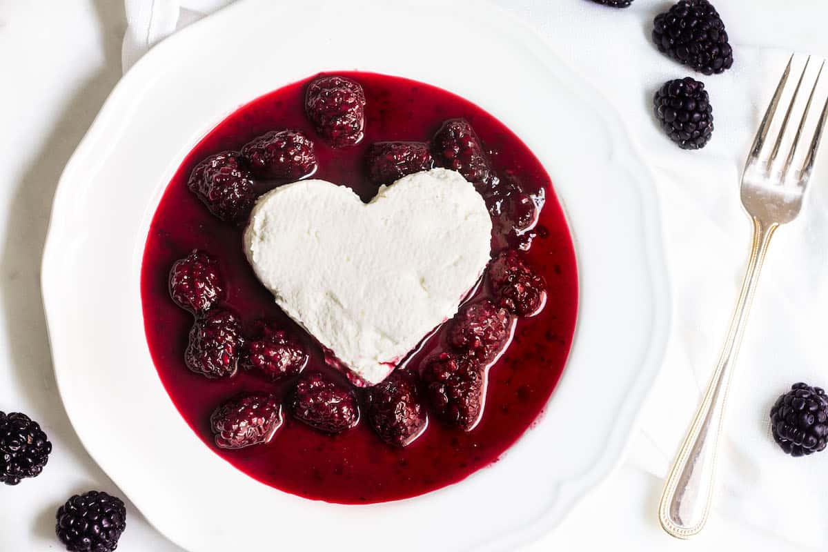 Coeur a la Creme with Blackberry Sauce - Mon Petit Four