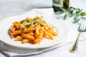 Pasta with Tomato Cream Sauce (sauce tomate à la crème): Creamy pasta that tastes like it was made my a professional chef! Recipe via MonPetitFour.com