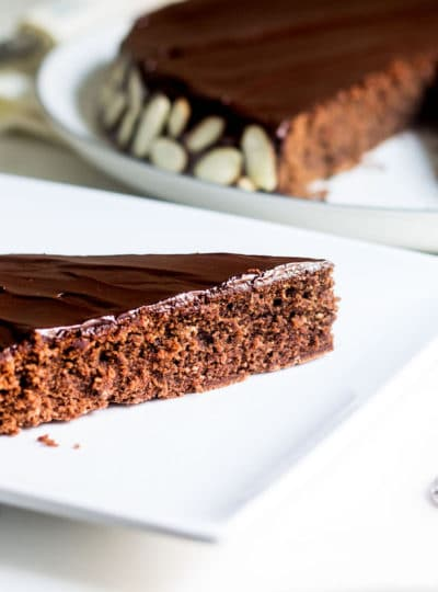 Reine de Saba (Julia Child's Chocolate and Almond Cake)