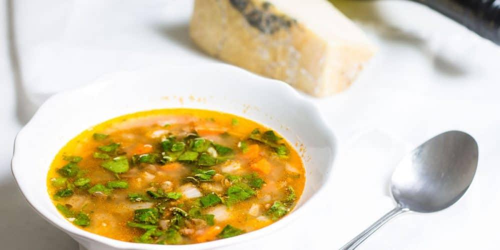 French Lentil Soup with Spinach (Soupe aux lentilles)