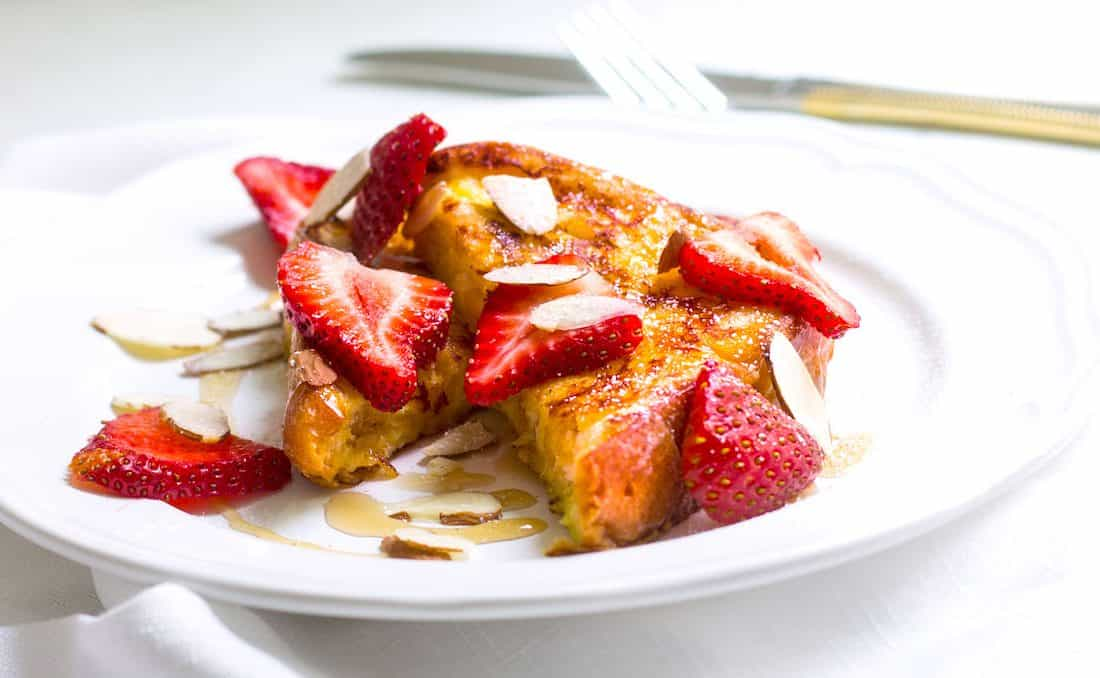 Pain Perdu with Fresh Strawberries (French Toast)