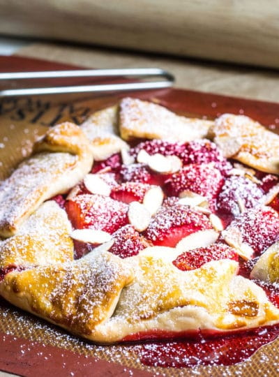 Strawberry Galette with Sliced Almonds (Rustic Strawberry Pie)