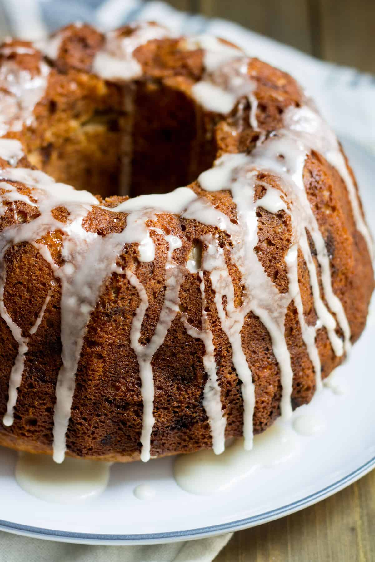 Apple Bundt Cake: a delicious and easy fall cake recipe made with apples, bananas, and fall spices. Recipe via MonPetitFour.com