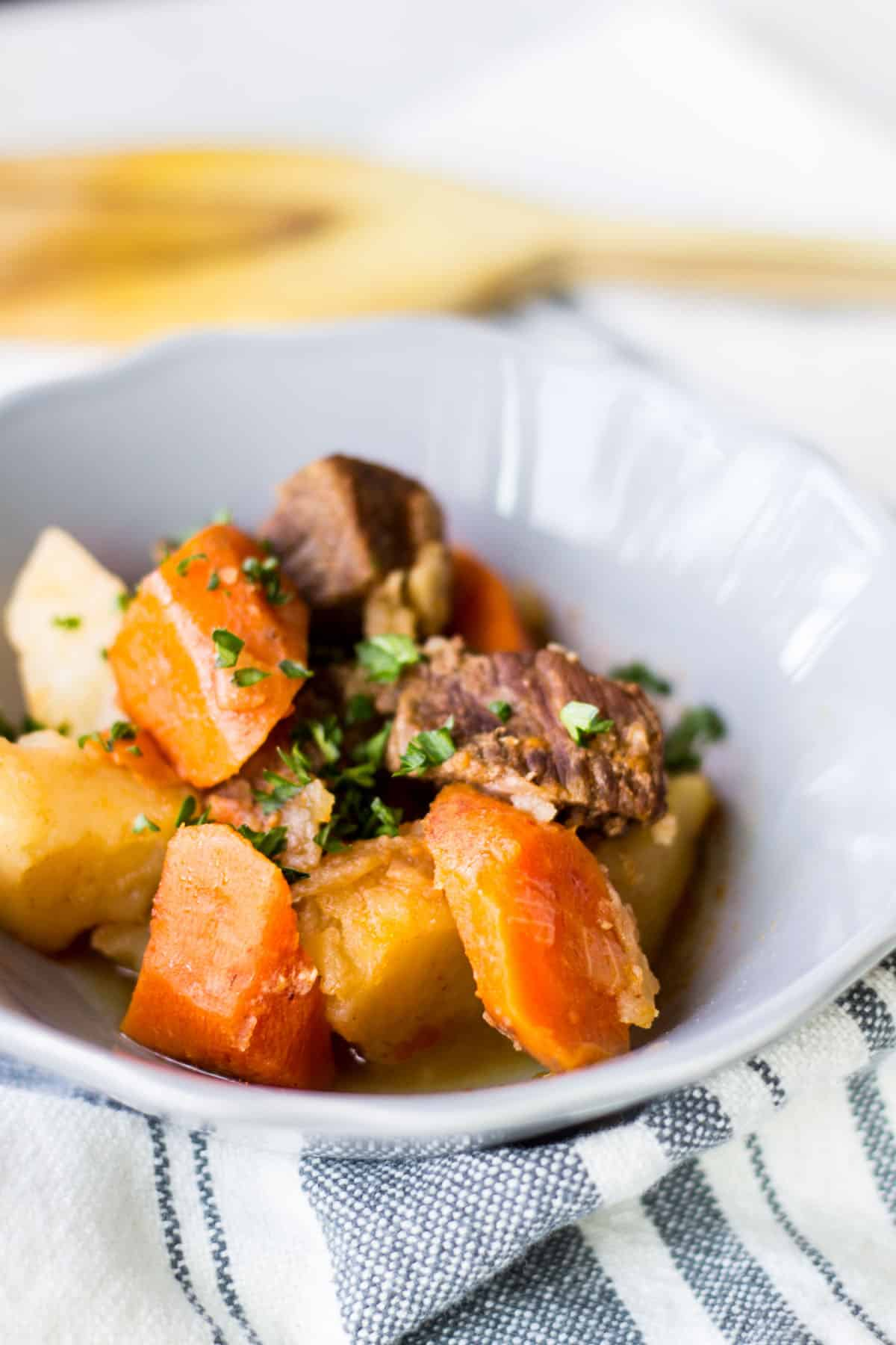 Instant Pot Beef Stew: a delicious beef stew made in the Instant Pot in half the time! A cozy, hearty meal for cold weather months. French recipe via MonPetitFour.com