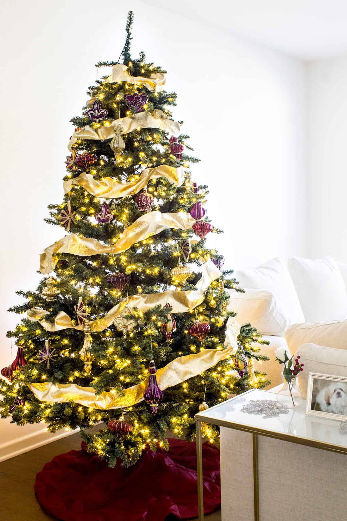 A French-inspired Christmas tree. In partnership with Balsam Hill. #BalsamHill #sponsored via MonPetitFour.com