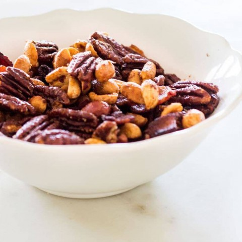 Rosemary Spiced Nuts: a recipe for slightly spiced, sweet and roasted cocktail nuts. French recipes via MonPetitFour.com