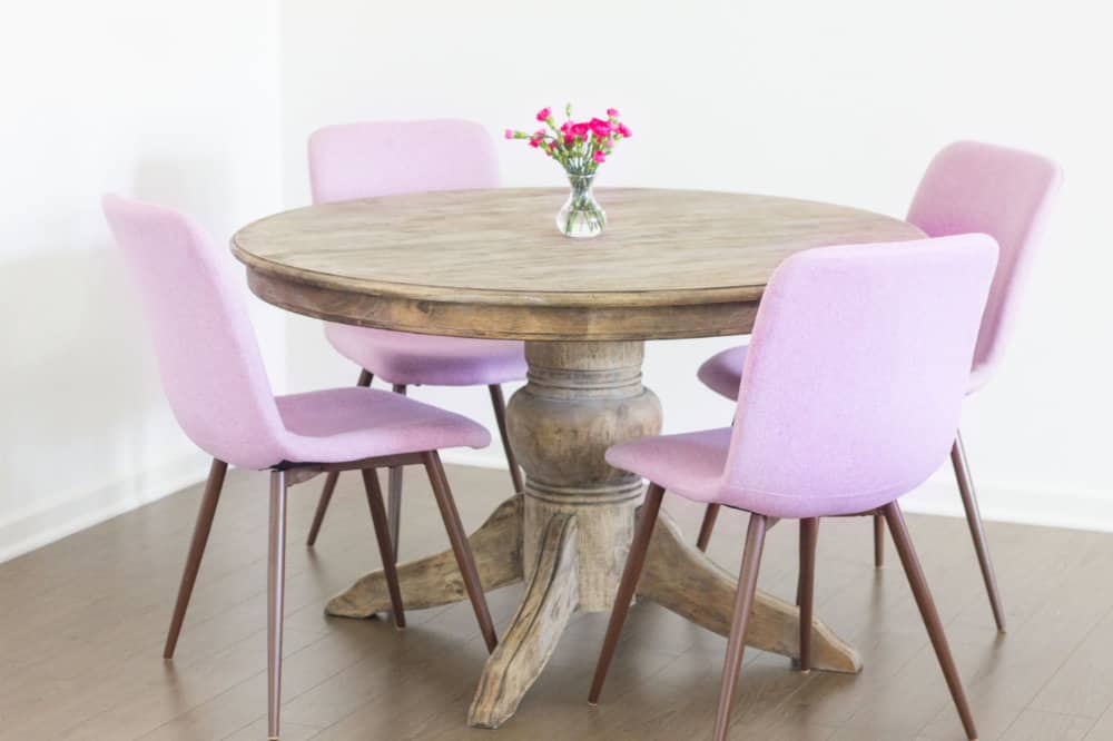 Parisian Style: Eames Dining Chairs