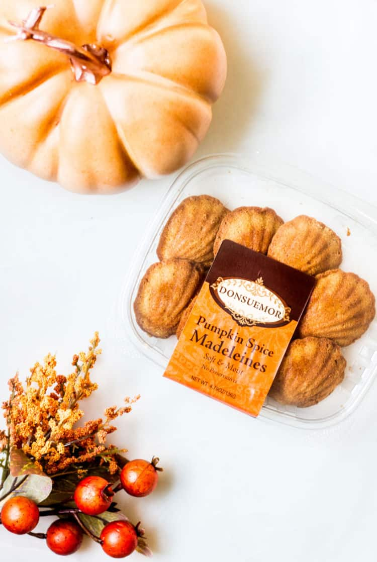 Donsuemor pumpkin spice madeleines in a box