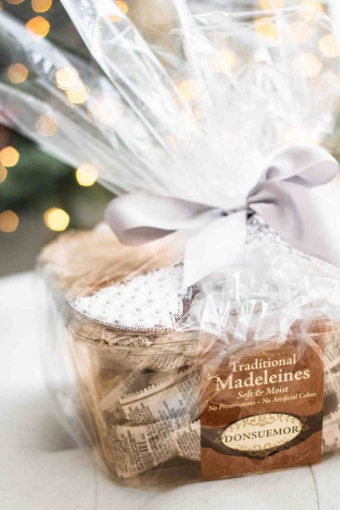 Donsuemor madeleines as a holiday gift