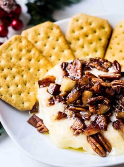 Baked Brie Recipe with Apples and Pecans featured image